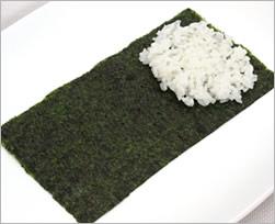 Хозяйкам и любительницам суш и роллов на заметку рецепт темаки-суши Темаки-суши отличаются от обычн... - 3